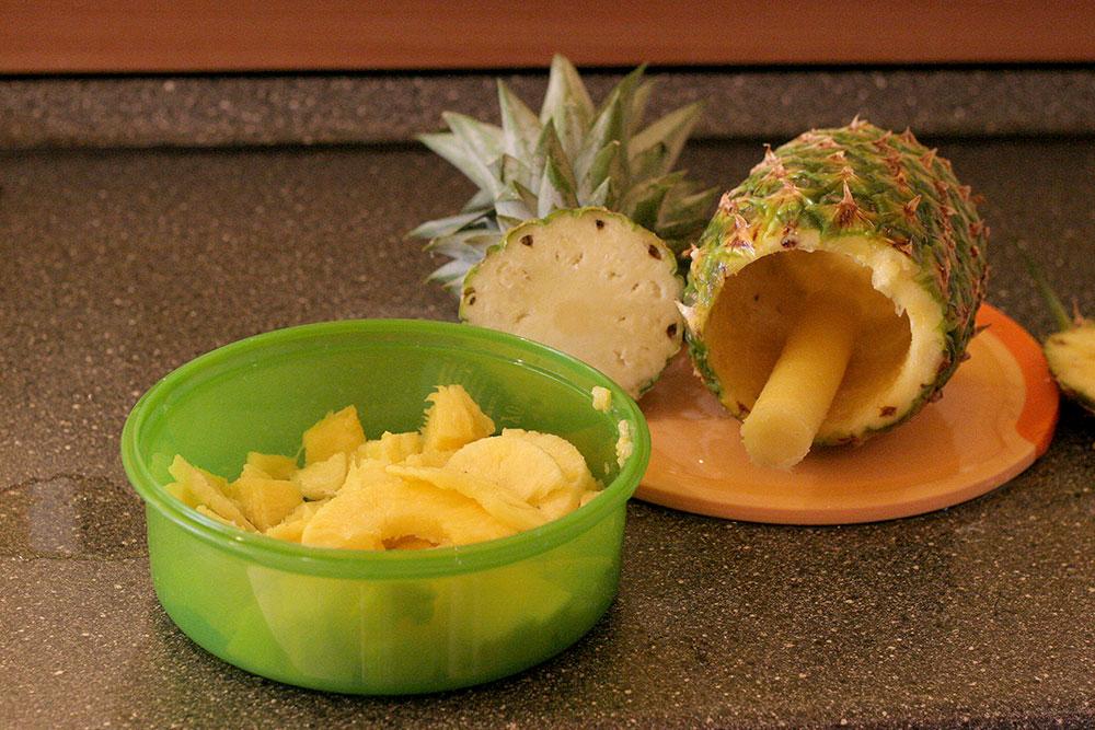 Ananasschneider (Bild 06/06) - Fertig. Viele schöne Stücke frischer Ananas warten auf uns